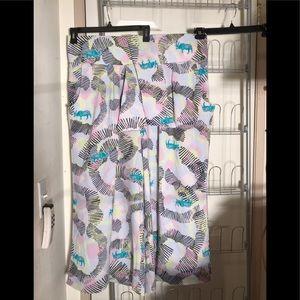 Melissa McCarthy beautiful pair of pants 👖